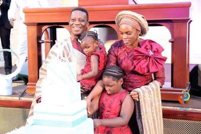 Pastor Dare Adeboye wife and children